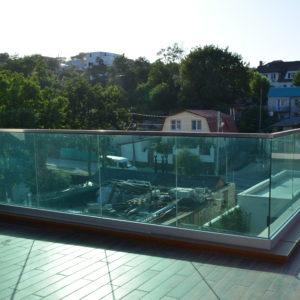 Ограждения из стекла